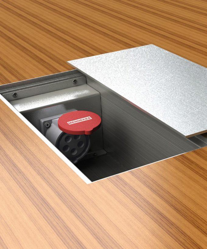 CEE-Bodentank 6400E CEE-Bodensteckdose im Boden eingebaut Deckel daneben abgelegt