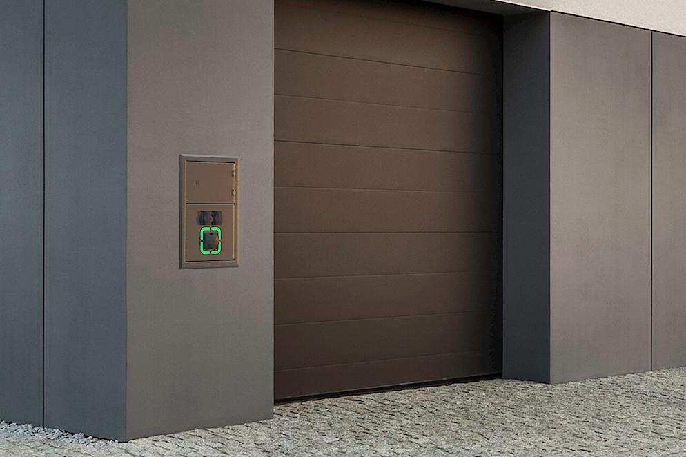 5801-Wandverteiler-an-der-Hauswand-Banner-750×500