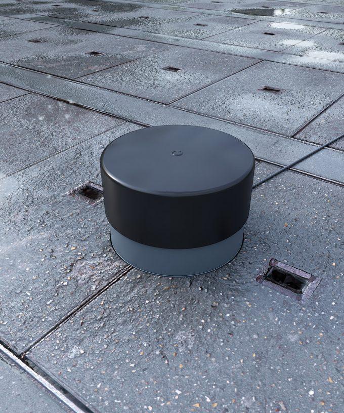 Bodensteckdose 7702A Aussenbereich im nassen Steinboden eingebaut mit Schutzkappe Tubus und Kabel gesteckt