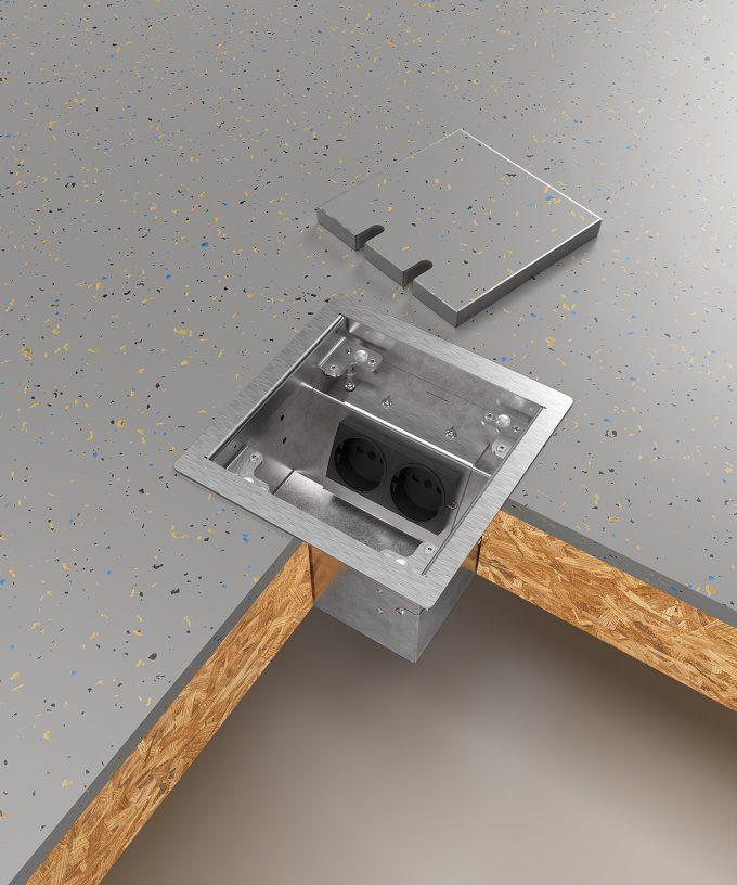 Hohlbodentank 8502B im Hohlboden eingebaut Deckel offen abgelegt mit Bodenbelag