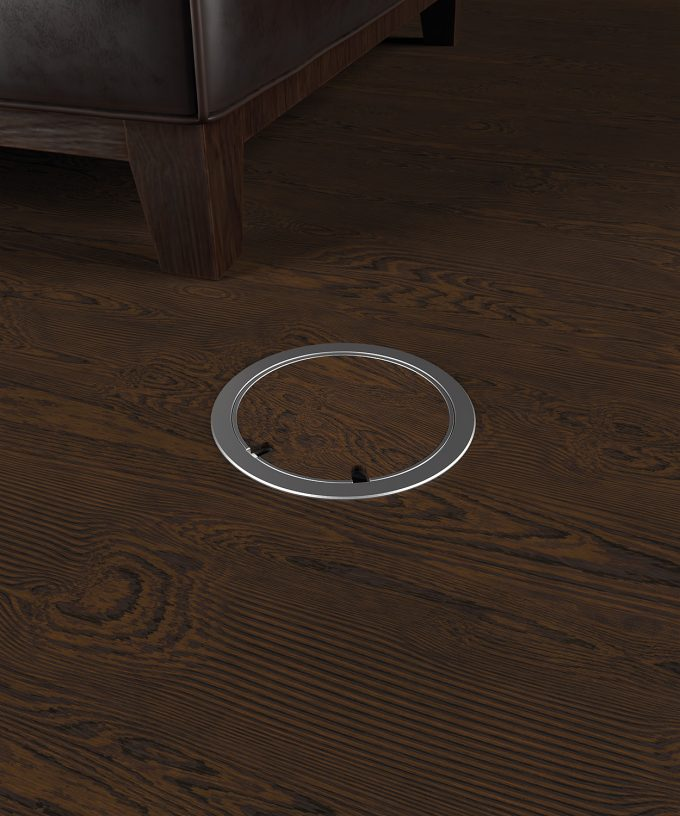 Bodensteckdose 9902A rund im Holzboden eingebaut Deckel geschlossen