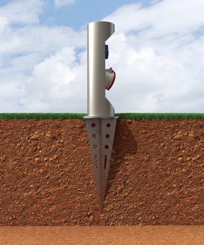 Bodenanker BAES32 Einschlagfuss aus Edelstahl mit Energiepoller im Erdreich eingebaut